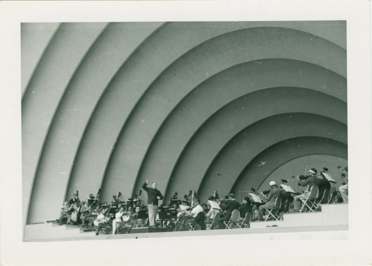 Bruno Walter conducting the Hollywood Bowl Symphony Orchestra (NYPL/Public Domain)