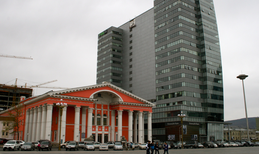 Ulaanbaatar, Mongolia's opera and ballet theater (Flickr/frans16611)