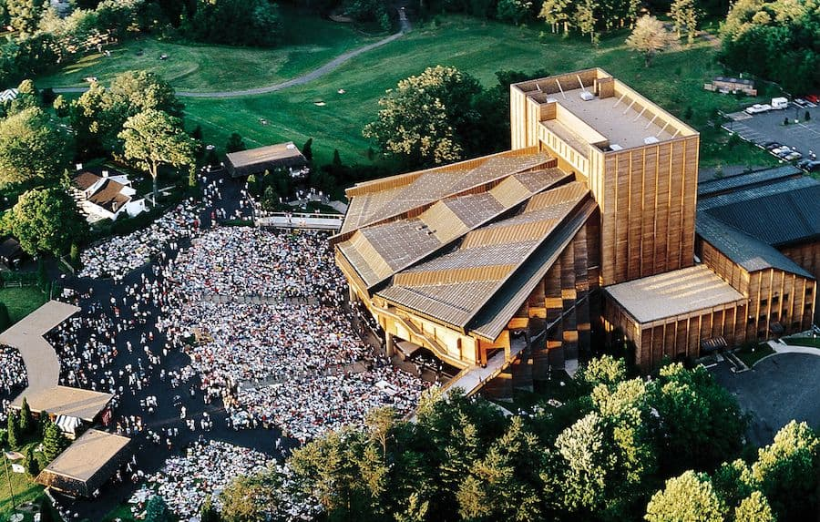 Filene Center at Wolftrap (Photo: Robert Llewellyn)