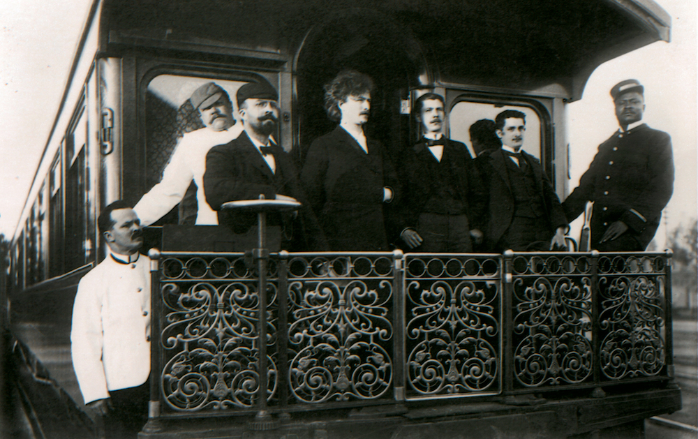 Paderewski on tour in 1896. Photo: Paderewski Museum, Morges; George Steckel)